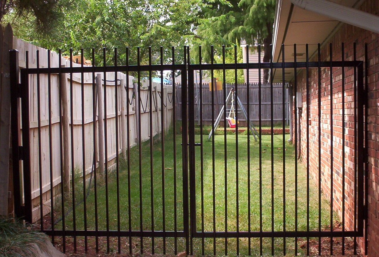M Amp M Construction Fencing Amp Gates
